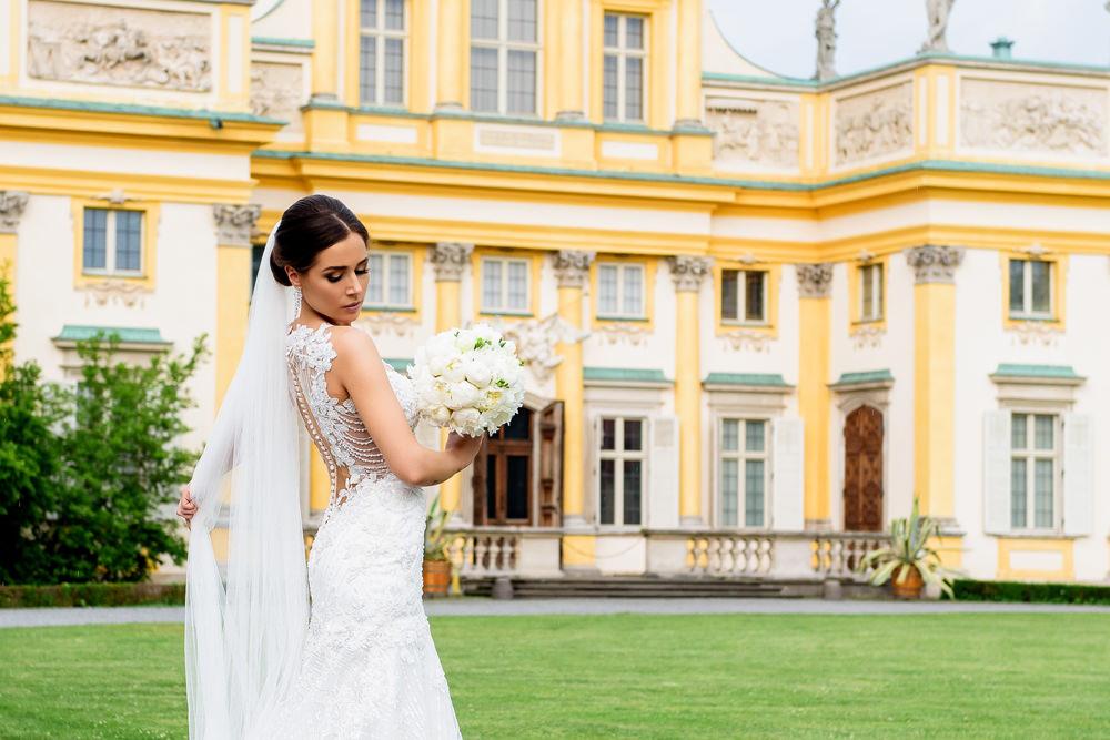 sesja ślubna przy pałacu w Wilanowie